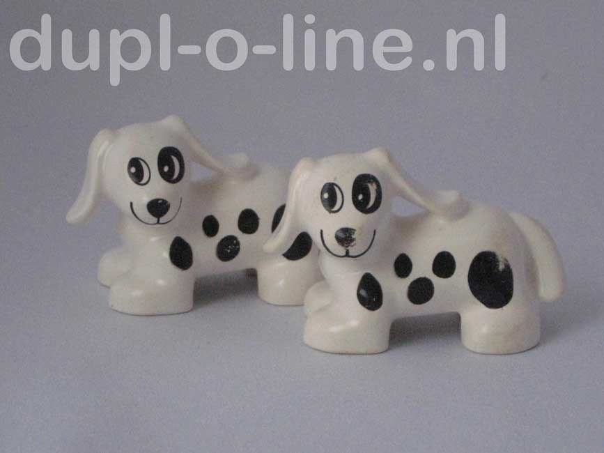 witte hond met zwarte vlekken (voorraad  18)